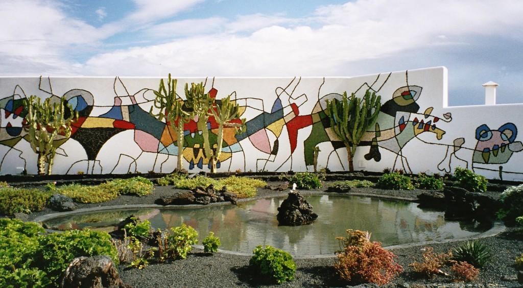 Manrique_Wall_jardin de la fundacion