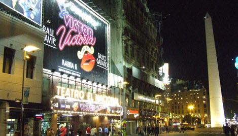 469px_Buenos_Aires_-_Avenida_Corrientes_-_Teatro_El_Nacional