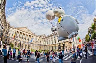 El Desfile del Día de los Globos es una fiesta en la ciudad