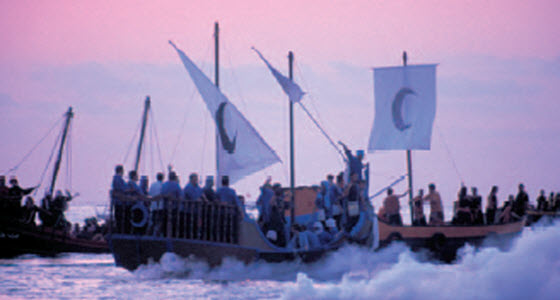 Los Moros y Cristianos son las fiestas más importantes de Villajoyosa, y se celebran desde hace más de 250 años.