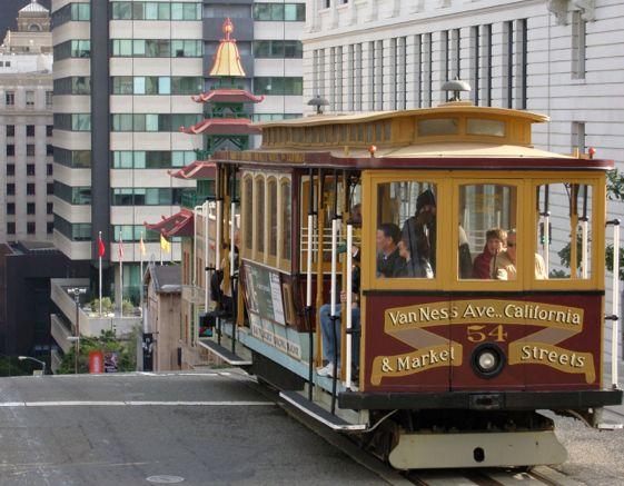 Los tranvías de San Francisco, una de las estampas más típicas de la ciudad californiana