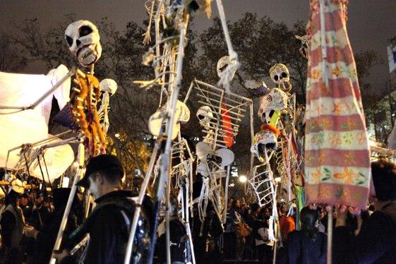 El desfile de Halloween del Greenwich Village reúne cada año a centenares de miles de participantes disfrazados de todos los modos...