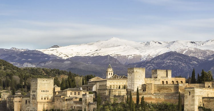 Alhambra (iStock)