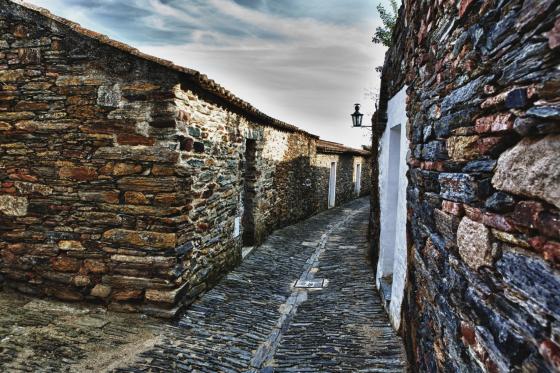 Monsaraz houses