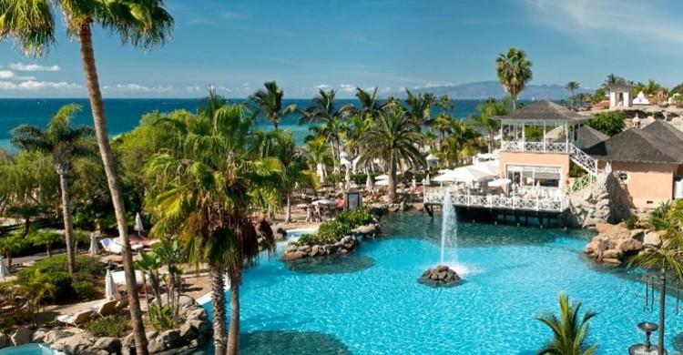 Gran Hotel Bahía del Duque (Web del hotel)