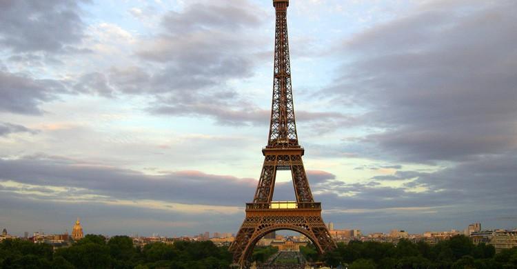 Torre Eiffel. BenJTsunami (Flickr)