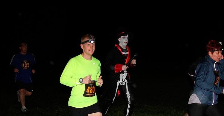 Running durante la noche de Halloween (Flickr)