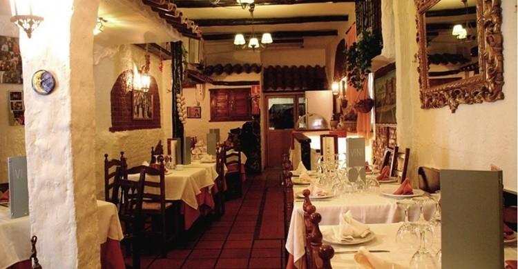 Interior de Luna Rossa. (www.restaurantelunarossa.com).