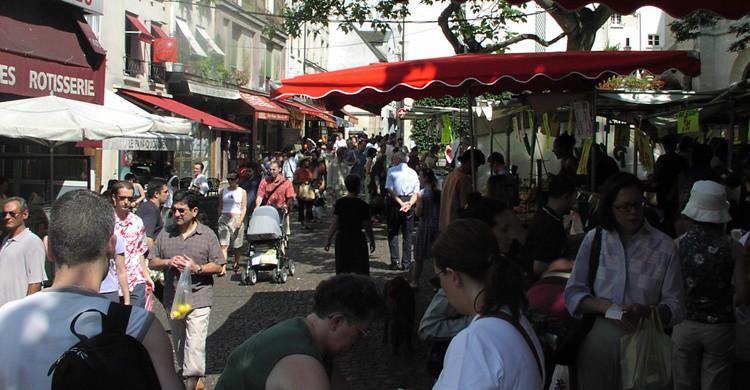 Mercadillo de la calle Mouffetard. Andrew Nash (Flickr)