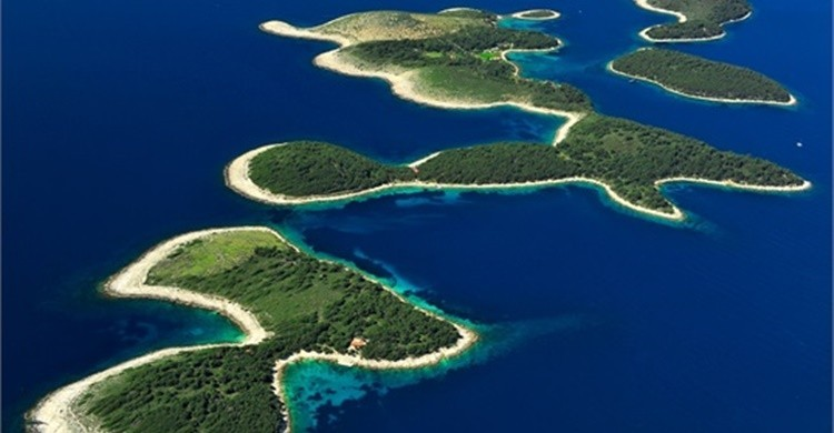 Vista aérea de las islas Pakleni (www.croatia.hr)