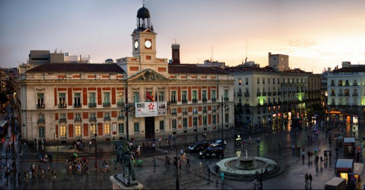 La Puerta del Sol - CamelKW (Flickr)