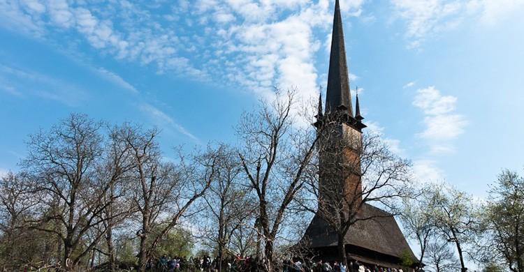 Iglesia de Surdesti (brajdo.com)