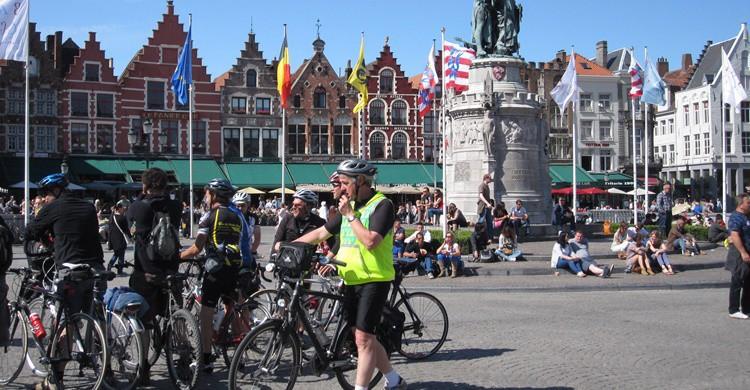 Como en la mayoría de capitales europeas, alquilar una bici puede ser lo más práctico. NH53 (Flickr)