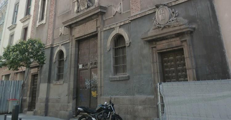 Vista parcial de la fachada de la Iglesia de San Antón, donde se encuentran los restos de San Valentín. (Wikipedia – Creative Commons)