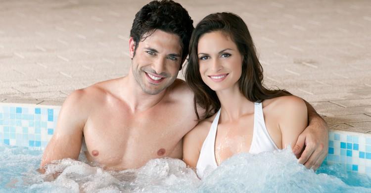 Un spa siempre es una buena opción para pasar un romántico día con tu pareja (iStock)