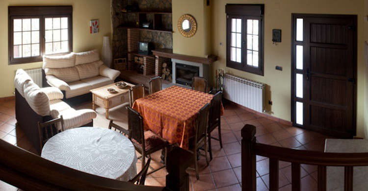 Salón de la casa rural de Gilbuena. (http://casagilbuena.com/)