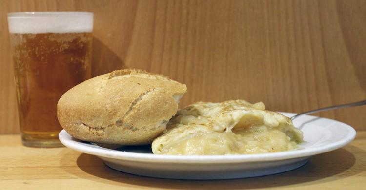 Pincho de tortilla y caña. Sylkar, Miguel Á. Palomo