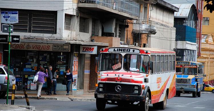Transporte público en Asunción, Paraguay (Flickr)