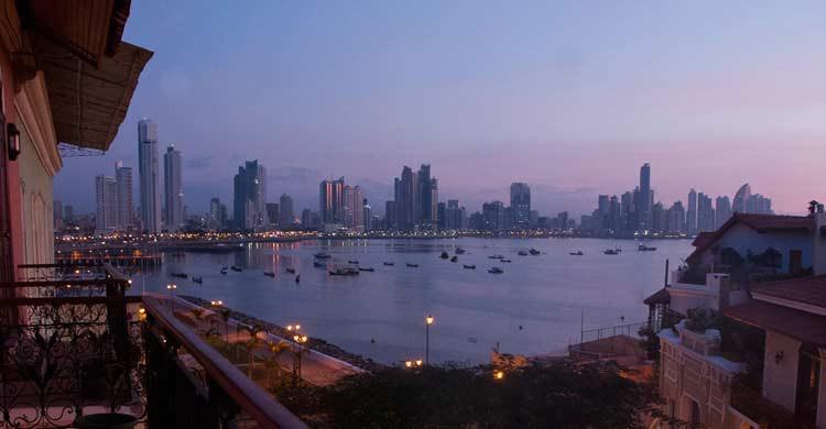 Atardecer en la ciudad de Panamá (iStock)