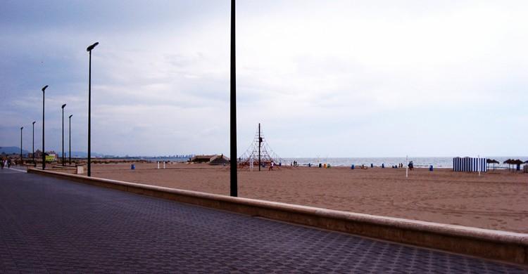 Playa de la Malvarrosa, en pleno Valencia. 16:9clue (Flickr)