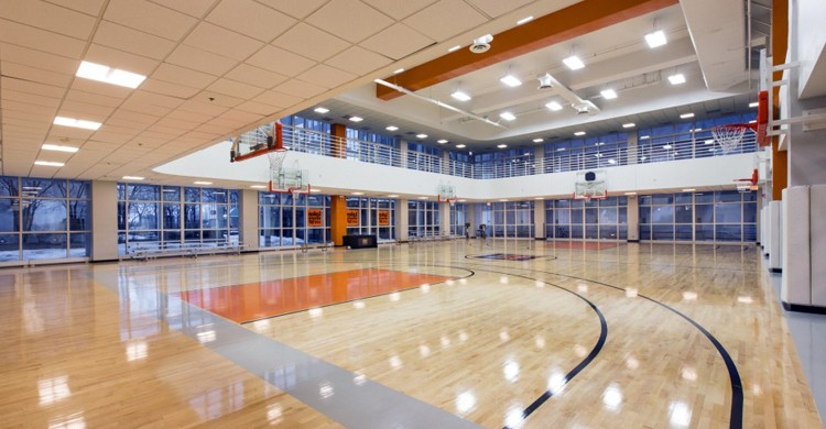 Cancha de Lakeshore Athletic Club. Fairmont Chicago (www.lakeshoresf.com)