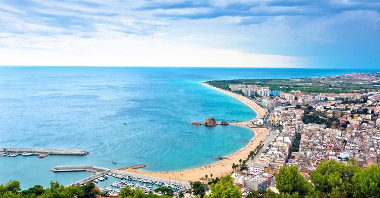 La Costa Brava es perfecta para ir en familia o con amigos. Fuente - Istock