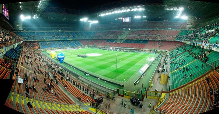 Estadio de San Siro en Milán (Flickr)