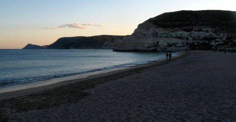 Playa de Agua Amarga. Héctor García (Foter)