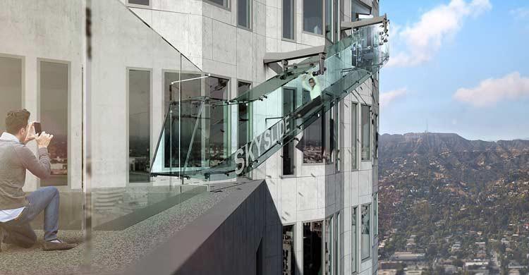 Imagen del nuevo e impresionante tobogán de cristal de la US Bank Tower, en Los Ángeles (usbanktower.com)