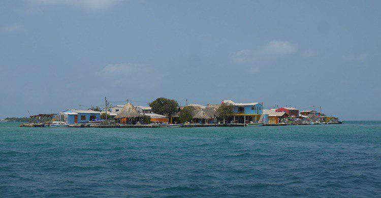 Vista de Santa Cruz del Islote. Uhkabu (https://commons.wikimedia.org)