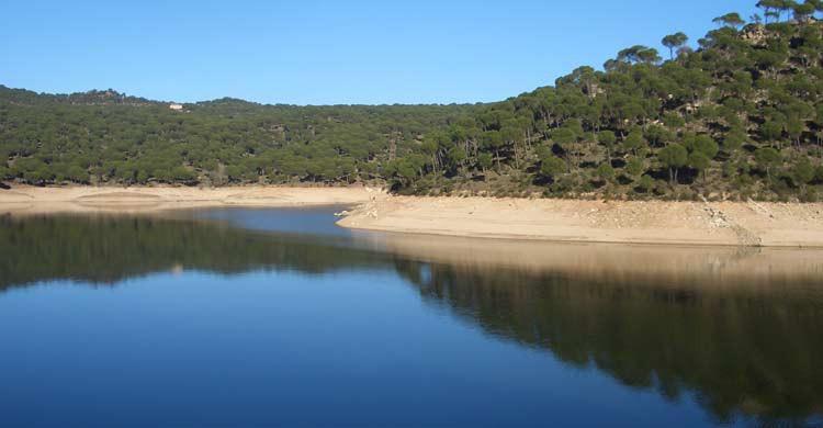 Pantano de San Juan (wikimedia.org)