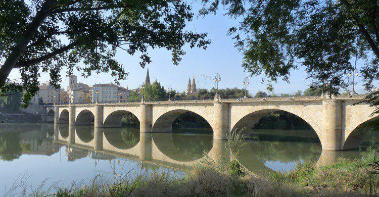 Puente de piedra sobre el Ebro. Arendle (Flickr)