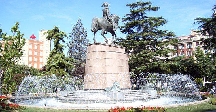 Parque del Espolón (Wikipedia Creative Commons)