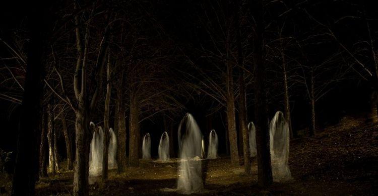 La Santa Compaña es una procesión de muertos y espíritus (iStock)