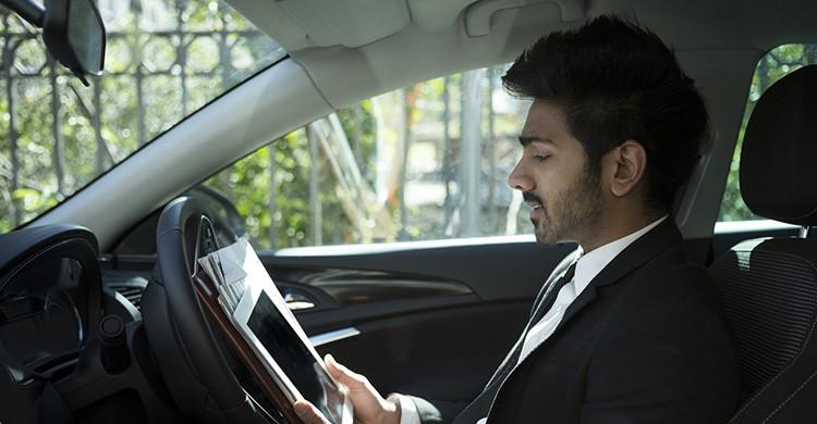 Conocer el coche (iStock)