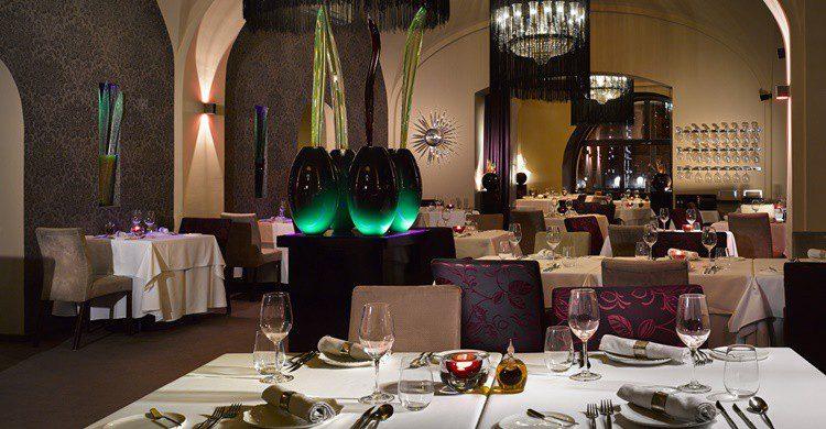 Restaurante Bellevue (http://www.bellevuerestaurant.cz/?lang=en)