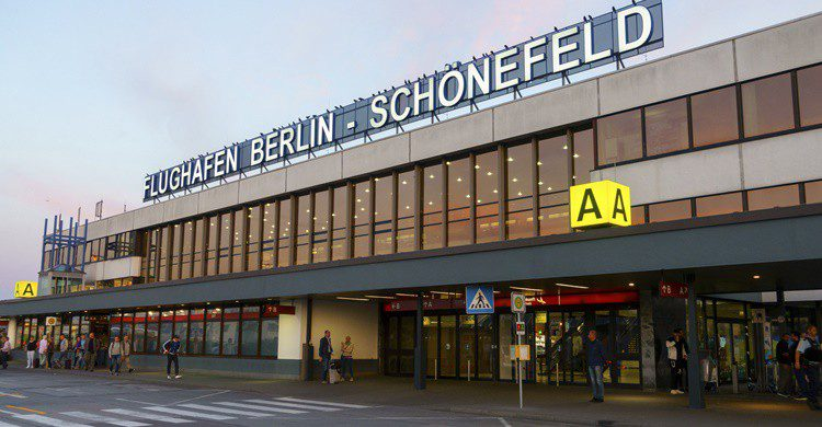 Aeropuerto de Schönefeld en Berlín. Toxawww (iStock)