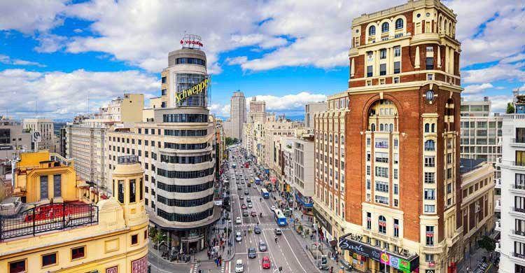 La polémica envolvió en sus orígenes a la Gran Vía madrileña (iStock)