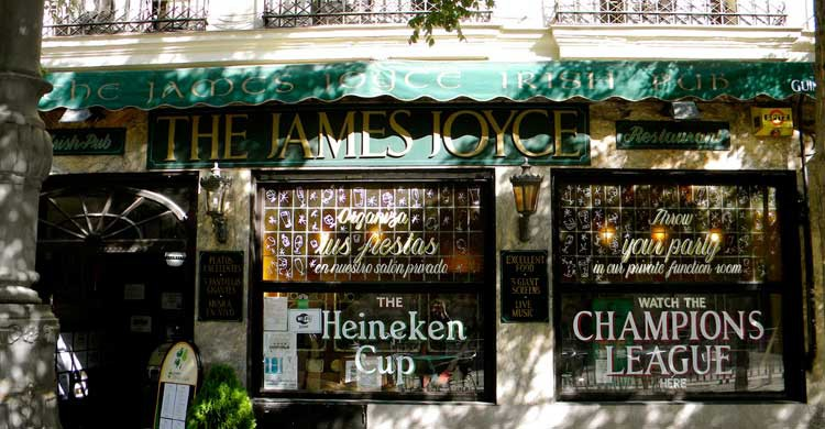 The James Joyce Irish Pub (Flickr)