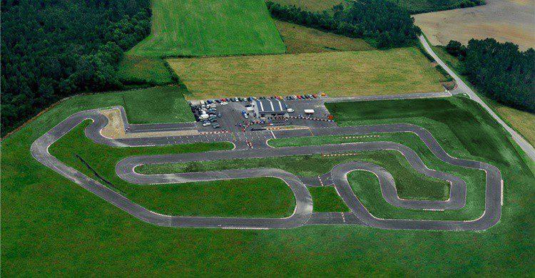 Vista del circuito (http://www.kartodromodetapia.com/Index.aspx)