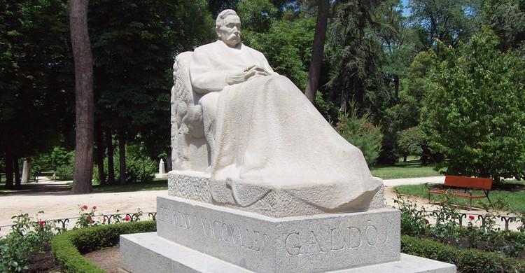 Monumento dedicado a Benito Pérez Galdós (wikimedia.org)