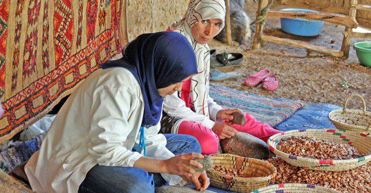 Mujeres bereberes en Marruecos, uno de los últimos destinos de Isabella Bird. Evp82 (iStock)