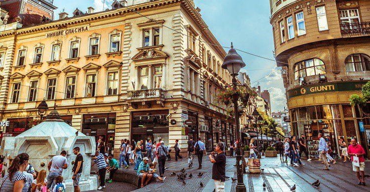 Plaza de la República, uno de los lugares más céntricos y animados de Belgrado. Kirillm (iStock)