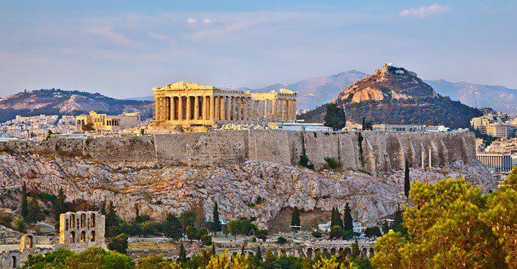 La famosa Acrópolis de Atenas. Sborisov (iStock)