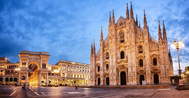 La catedral de Milán, tal vez el edificio más conocido de la capital lombarda. Xantana (iStock)