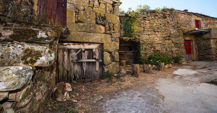 Pueblo semiabandonado. :XXLPhoto (iStock)