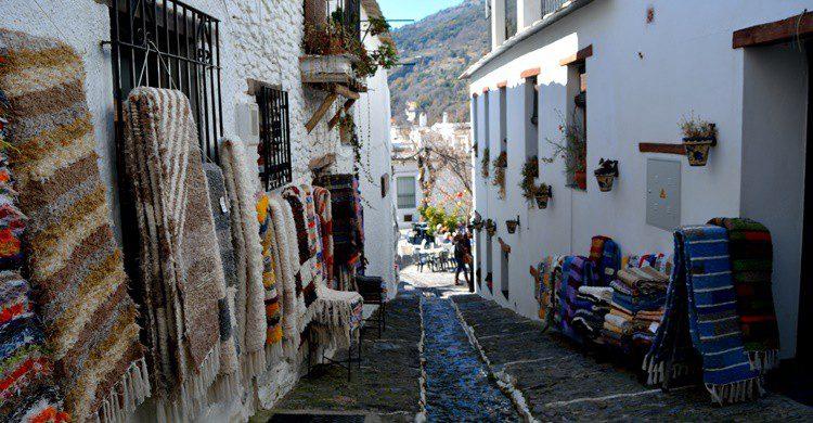 Calle de Pampaneira. AmaliaToma (iStock)