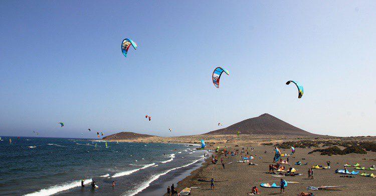 Kite boarding. LucidSurf (iStock)