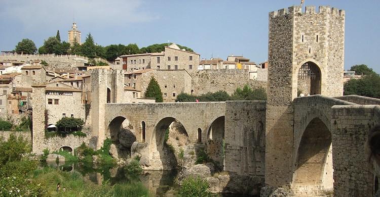 El famoso puente de Besalú