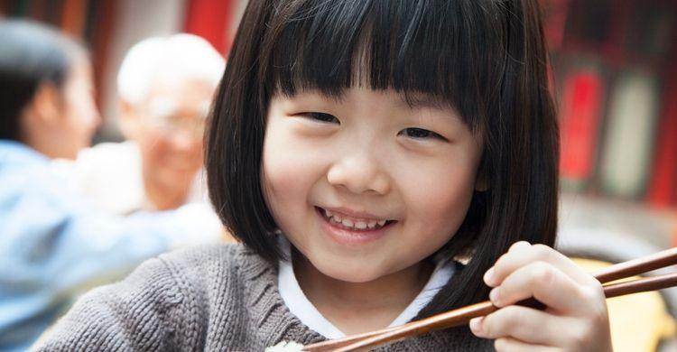 Vendado de pies a niñas chinas (istock)
